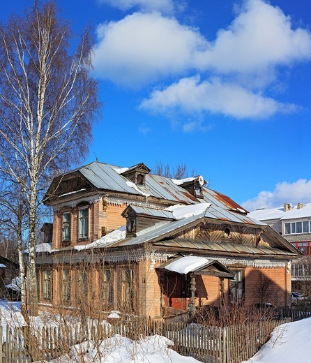 Old wooden house, Ustyuzhna, Vologda region, Russia : Stock Photo