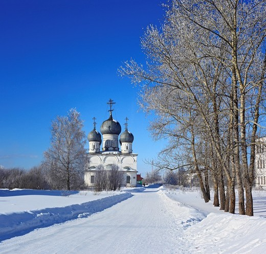 Stock Photo: 1566-574874 St  Transfiguration Cathedral 1670, Belozersk, Vologda region, Russia