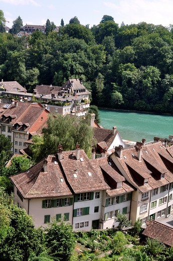Bern (Switzerland): houses by the Aar River : Stock Photo