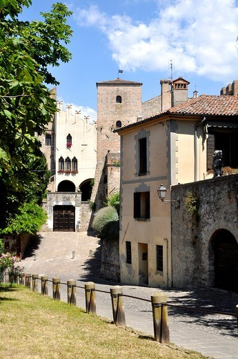 Monselice (Italy), Via del Santuario with, at the end, the Ca´ Marcelo Castle (11th - 13th century) : Stock Photo