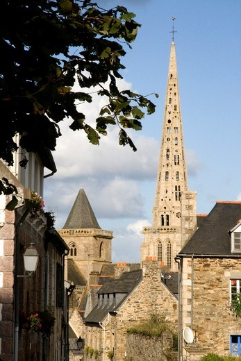 Stock Photo: 1566-578215 France, Bretagne, Cotes d´Armor, Treguier - Town, church