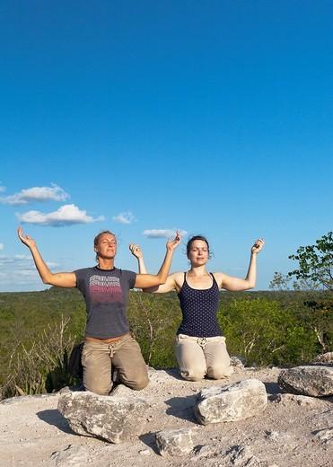 Guatemala, Peten, El Mirador Basin, meditation, Templo de los monos : Stock Photo