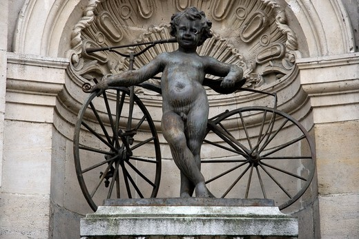 France, Lorraine, Meuse, Bar le Duc - Statue rememboring the Michaux brothers, inventors of the pedal and gear for bicycle, native of Bar le Duc : Stock Photo