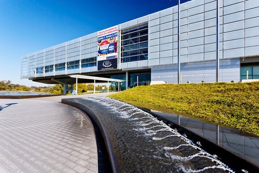 Stock Photo: 1566-583597 The William J Clinton presidential library in Little Rock, Arkansas, USA