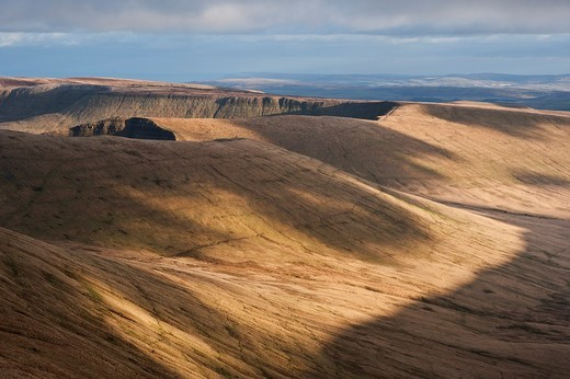 Cribyn and mountain landscape viewed from Pen Y Fan, Brecon Beacons national park, Wales : Stock Photo
