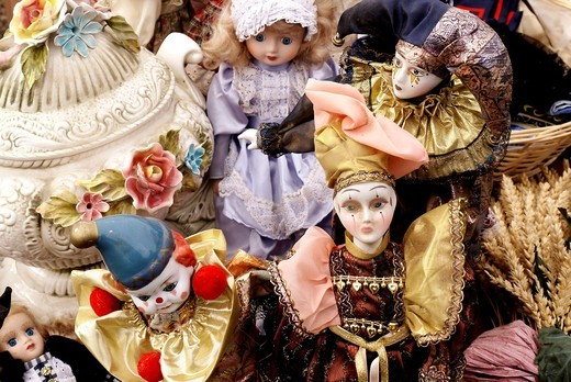 Antigue dolls on sale at a vide grenier in France : Stock Photo