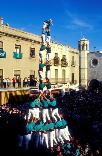 Stock Photo: 1566-585864 Castellers de Vilafranca ´Castellers´ building a human tower, a Catalan tradition Plaça de la Vila  Vilafranca del Penedès  Barcelona province,Catalonia, Spain