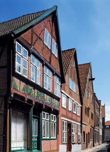Stock Photo: 1566-594777 Germany, Lauenburg, Elbe, Elbe-Luebeck Canal, Elbe-Seitenkanal, Schleswig-Holstein, row of houses in the Elbe Street, terraced houses, half-timbered house