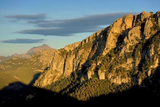 Cingles de Son Rullan y Puig Major 1436m  Sierra de Tramuntana Mallorca Islas Baleares  España : Stock Photo