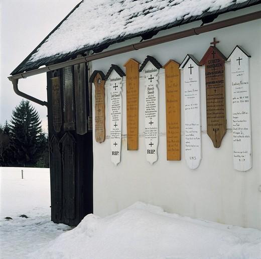 Germany, Regen, Schwarzer Regen, nature reserve Bavarian Forest, Lower Bavaria, Bavaria, D-Regen-Weissenstein, chapel Weissenstein, dead planks, corpse boards, wintry, snow : Stock Photo