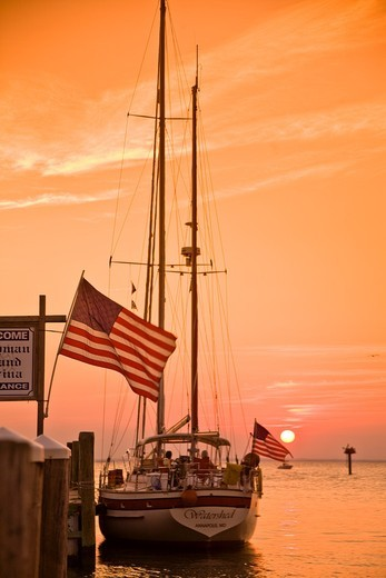 Stock Photo: 1566-595432 Maryland, Chesapeake Bay, Tilghman Island Marina, yacht at sunset