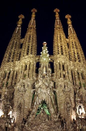 Stock Photo: 1566-595679 La Sagrada Familia at night Barcelona