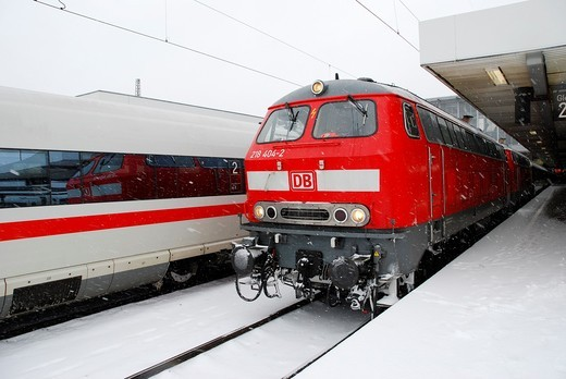 Diesel locomotives of class 218 at Central Station Munich : Stock Photo