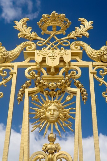 Stock Photo: 1566-596417 Golden doors of Versailles Palace  Versailles  Île-de-France