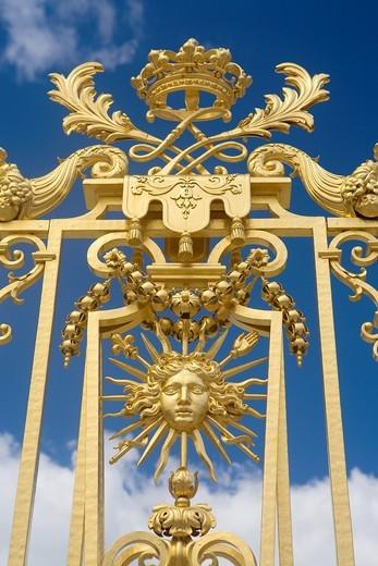 Stock Photo: 1566-596417 Golden doors of Versailles Palace  Versailles  Île-de-France