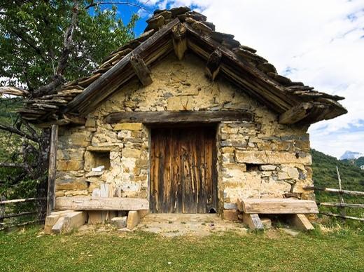 Borda in Vio - Sobrarbe - Province of Huesca - Aragon Pyrenees - Aragon - Spain : Stock Photo