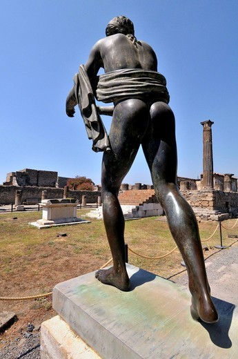 Stock Photo: 1566-598920 Pompeii, Roman ruins, Apollo statue. Roman town buried in AD 79 by ash flows from Vesuvius volcano. UNESCO world heritage site. Province of Naples in Campania. Italy.