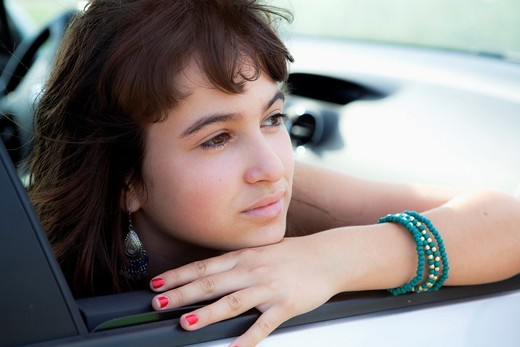 Stock Photo: 1566-599953 Girl in car
