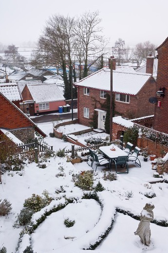 A view of the snow overlooking Puddingmoor in Beccles , Suffolk , England , Britain , Uk : Stock Photo