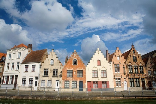 Stock Photo: 1566-601319 Typical canal and houses in the medieval town of Brugge, listed World Heritage Site by UNESCO  Flanders  Belgium