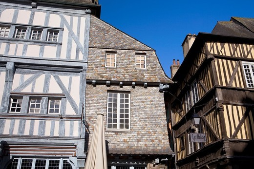 Typical houses in the old town of Dinan, in Cotes d´Armor department, Brittany  France : Stock Photo