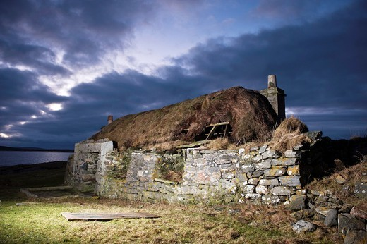 Stock Photo: 1566-602101 Ruins of derelict croft house, Berneray, Western Isles, Scotland