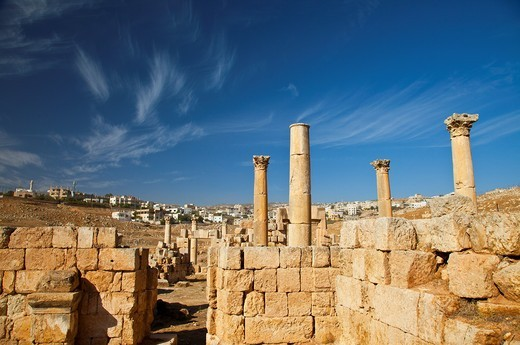 Avenue to the three churches, Greco-Roman city of Jerash, Jordan, Middle East : Stock Photo