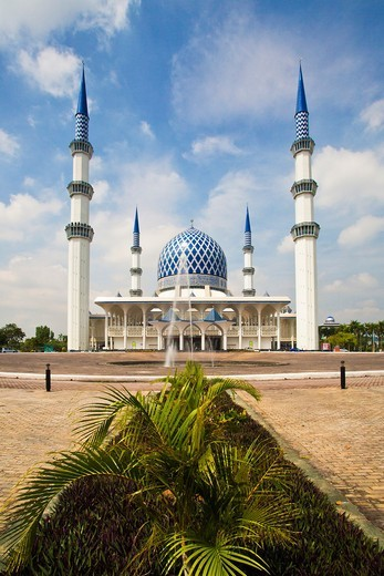 Malaysia, Selangor, Sha Alam City, National Mosque, The Blue MosqueSultan Abdul Aziz Mosque. : Stock Photo