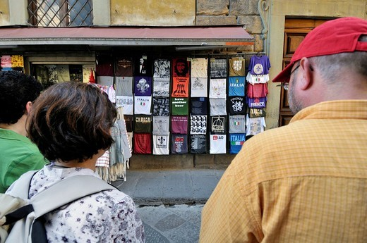 Stock Photo: 1566-608463 T-shirts for souvenirs. Florence. Italy.