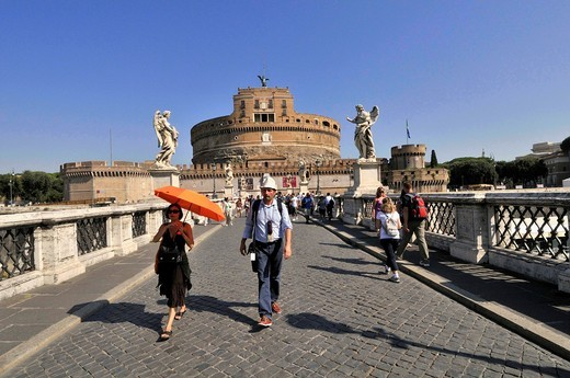 Mausoleum of Hadrian, usually known as the Castel Sant´Angelo and Ponte Sant´Angelo or Bridge of Hadrian. Rome. Italy : Stock Photo