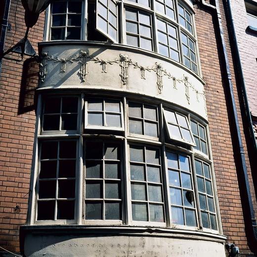 House with bay windows, Andrew street, Dublin, Ireland : Stock Photo