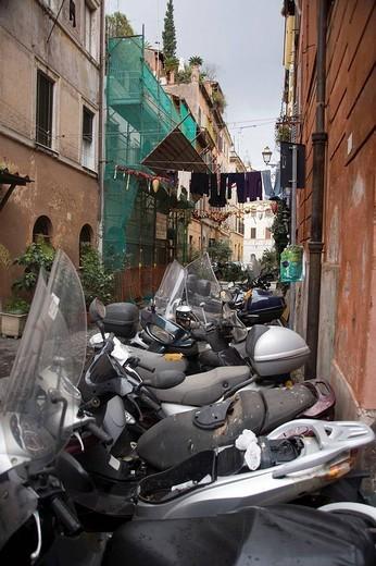 Stock Photo: 1566-617275 street in Trastevere in Rome