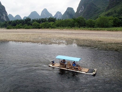 Li or Lijiang river near Guilin, Guangxi Province, China : Stock Photo