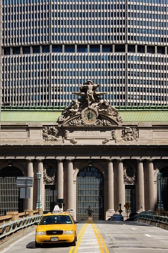 Clock above the main entrance to Grand Central Station New York USA : Stock Photo