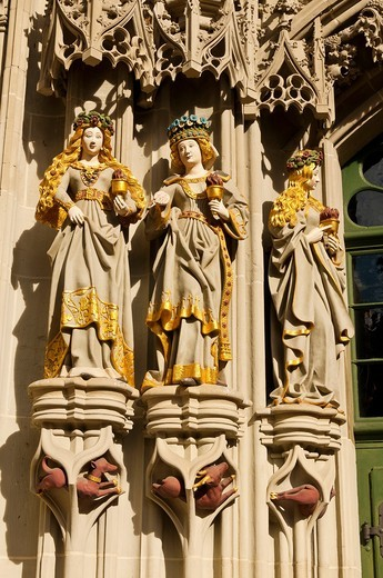 Stock Photo: 1566-618792 Statues at the entrance to the Munster Cathedral of Bern, Bern, Canton Bern, Switzerland