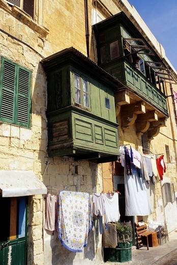 oriel windows in a street of La Valette, Malta, Mediterranean Sea, Europe : Stock Photo