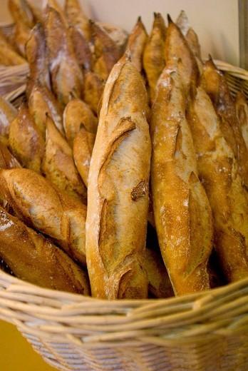 Stock Photo: 1566-635401 Fresh baguettes