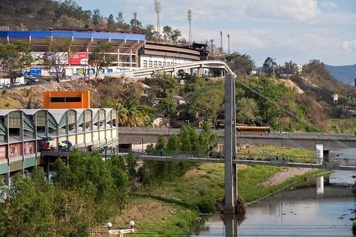Honduras, Tegucigalpa, Bridge over Rio Choluteca, Mercada La Isla, La Isla Market, National stadium, Estadio Nacional, Tiburchio Carias Andino, and Parque La Paz : Stock Photo