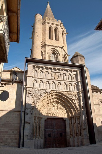 Stock Photo: 1566-639075 Church of Santa María la Real  1131 Sanguesa  Navarre  Spain  Europe