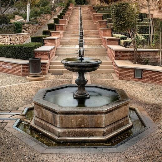 Fuente en el recinto de La Alcazaba de Almería : Stock Photo