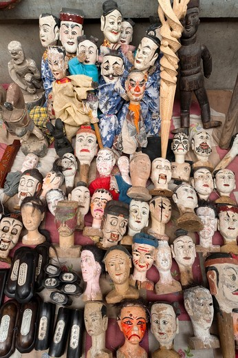 Heads for traditional puppets, crafts shop, Panjiayuan flea market, Chaoyang District, Beijing, China, Asia : Stock Photo