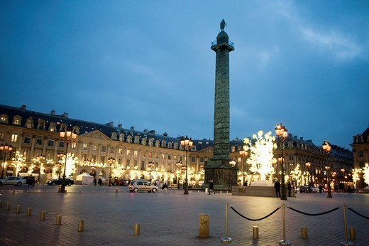 Stock Photo: 1566-642121 Paris, France, Luxury Christmas Shopping, Place Vendome, Column
