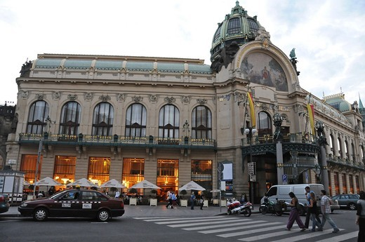Stock Photo: 1566-642217 Obecni Dum Municipal House  Republic's Square  Prague  Czech Republic  Modernist building Art Nouveau from the 1905-1911 years  The rich interior and exterior seccesion's decoration by Alphonse Mucha, M  Sbabinsky and J V  Myslbek among others, it is wort
