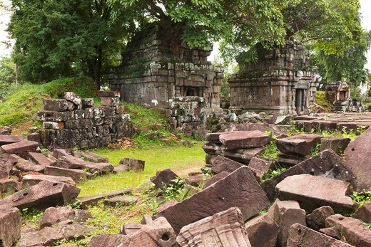 Phnom Bok Built during the reign of King Yasovarman 889-910 AD, the temple stands a top a hill northeast of the East Baray, the huge Angkorian reservoir that is now dry  Near Siem Reap  Cambodia  Asia : Stock Photo