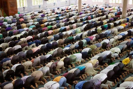 Stock Photo: 1566-648513 Friday prayer in mosque, Kuching. Sarawak, Borneo. Malaysia