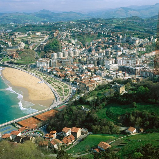 Stock Photo: 1566-650178 Ondarreta Beach and  ´El Antiguo´ quarter, view from Monte Igueldo. San Sebastian (Donostia), Guipuzcoa province, Basque Country, Spain