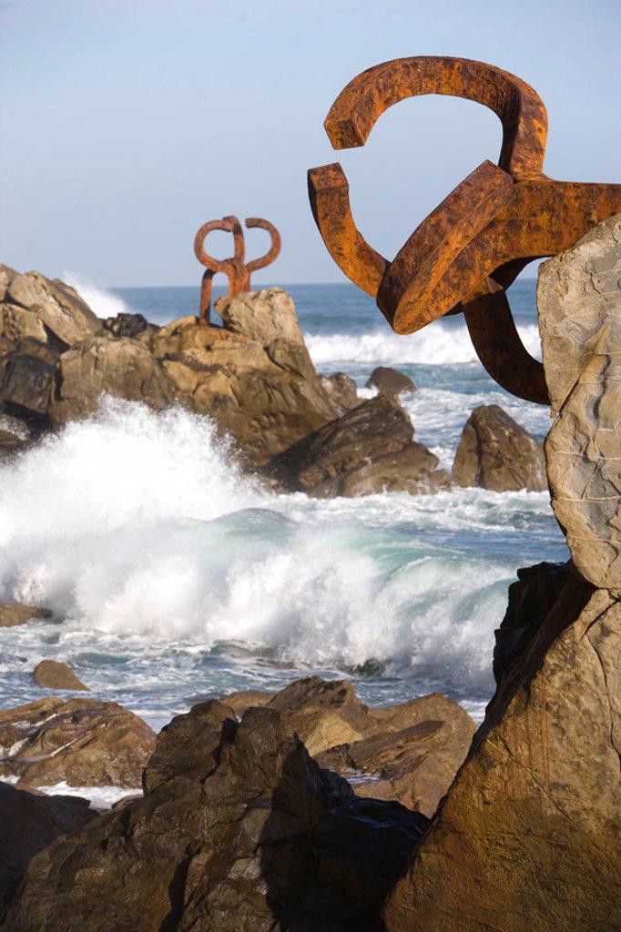 Stock Photo: 1566-650598 ´Peine de los Vientos´ sculpture by Eduardo Chillida, San Sebastian. Guipuzcoa, Euskadi, Spain