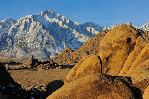 Stock Photo: 1566-673957 View of Mount Whitney from Alabama Hills, California, USA
