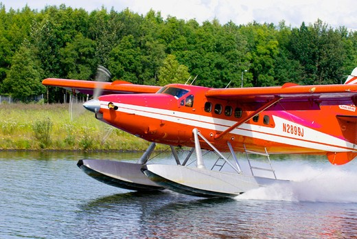 Seaplane landing at Lake Hood Seaplane Base (the busiest seaplane base in the world), Anchorage, Alaska : Stock Photo