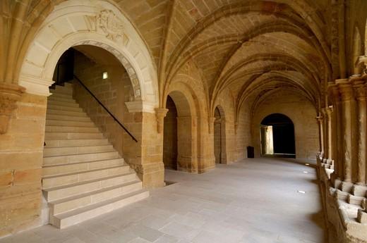 Cloister. Cistercian monastery of Rueda (13th century). Escatrón. Zaragoza province, Aragón, Spain : Stock Photo